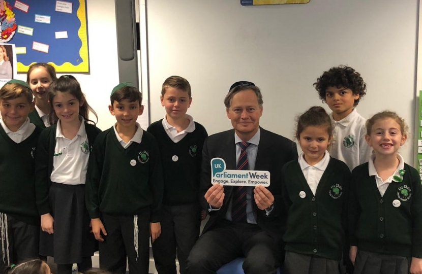 Matthew Offord MP with students from Etz Chaim Jewish Primary School in Mill Hill