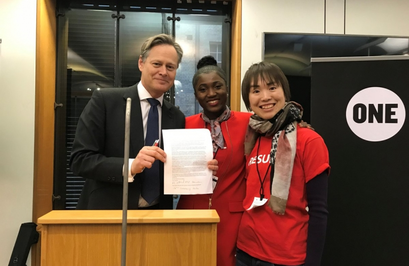Matthew Offord MP in February 2020 with his constituent at the Gavi Lobby day in Parliament